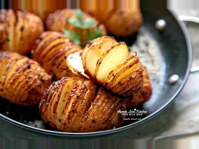 [阿妮塔♥yummy] 手風琴馬鈴薯。(烤箱)