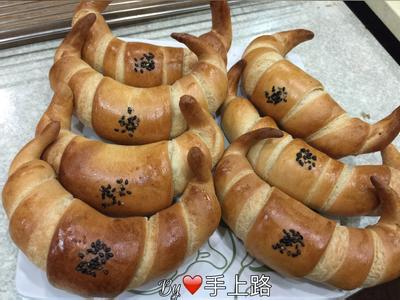 🐂咖啡金牛角麵包🐂