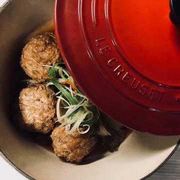 ling跟著做了鑄鐵鍋料理-娃娃菜砂鍋獅子頭
