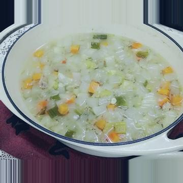 張瑞比跟著做了省時簡易『清燉排骨玉米蘿蔔湯』