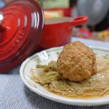 Dolly Chen跟著做了鑄鐵鍋料理-娃娃菜砂鍋獅子頭