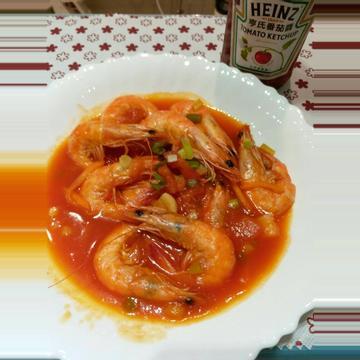 陳青妤跟著做了茄汁乾燒明蝦