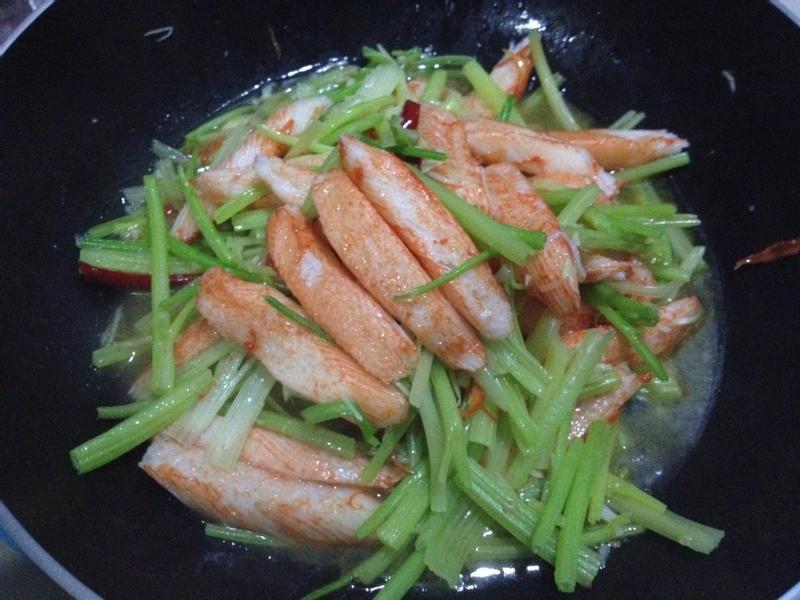 芹菜炒蟹棒