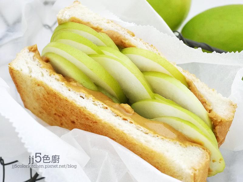 蜜棗花生醬三明治【5分鐘早餐】