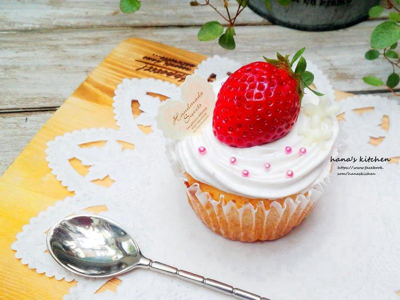 白巧克力杯子蛋糕