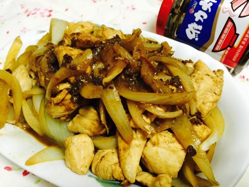 洋蔥炸醬燒雞[維力炸醬]