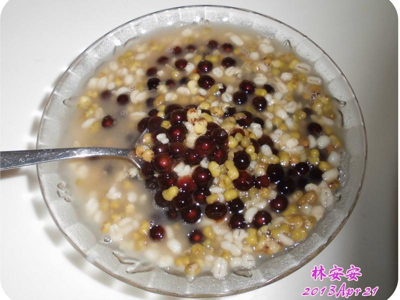 綠豆薏仁粉圓湯(用電鍋煮粉圓)