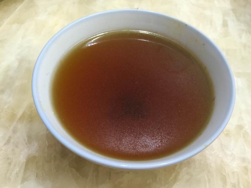 港式老火湯 ~ 茶樹菇黃芪豬肉湯