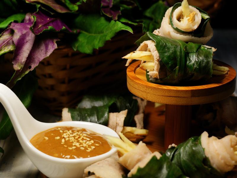 紅鳳菜豬肉捲 佐腐乳芝麻醬