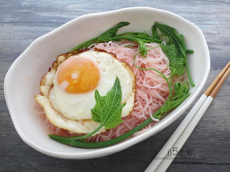 DIY粉紅(紅麴)米粉湯