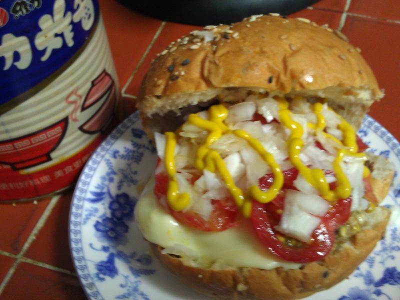 漢堡『維力炸醬』