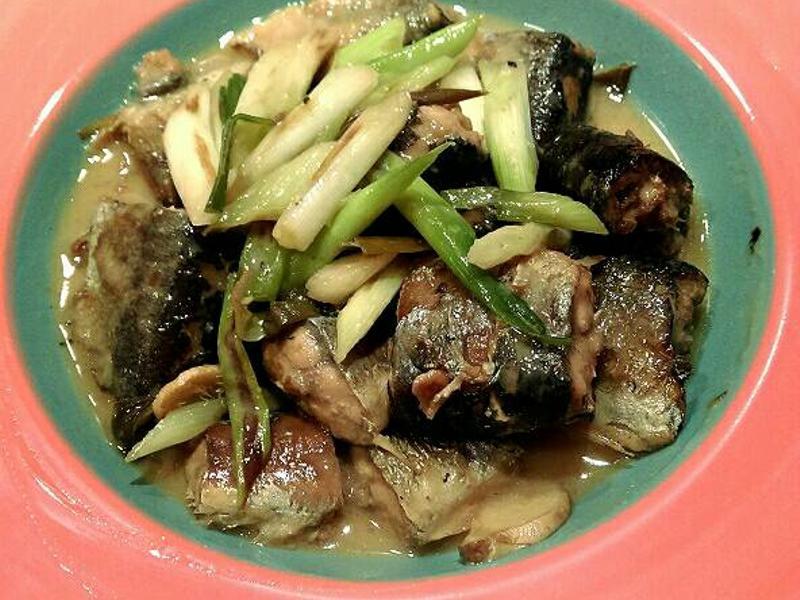 日式味噌煮秋刀魚