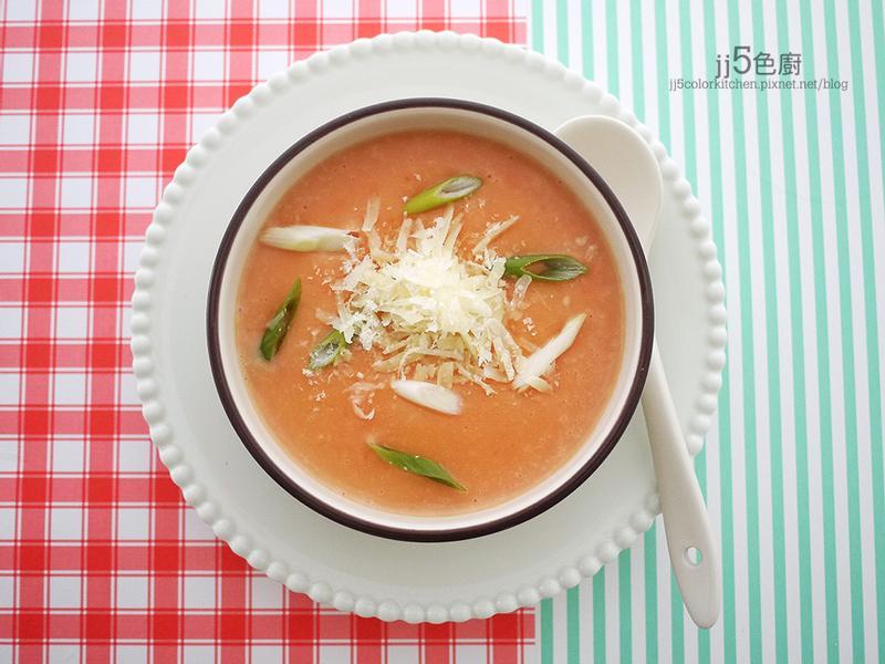粉紅烤蒜馬鈴薯濃湯