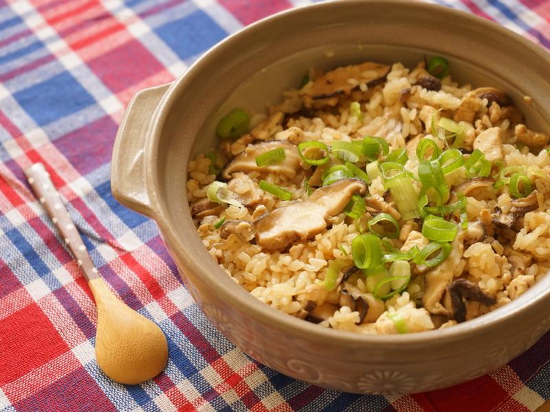 簡單吃飯-砂鍋香菇炊飯