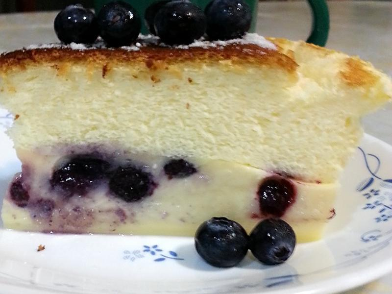 藍莓神奇魔法蛋糕