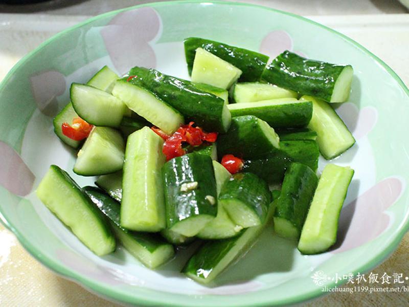 夏季開胃菜~涼拌小黃瓜