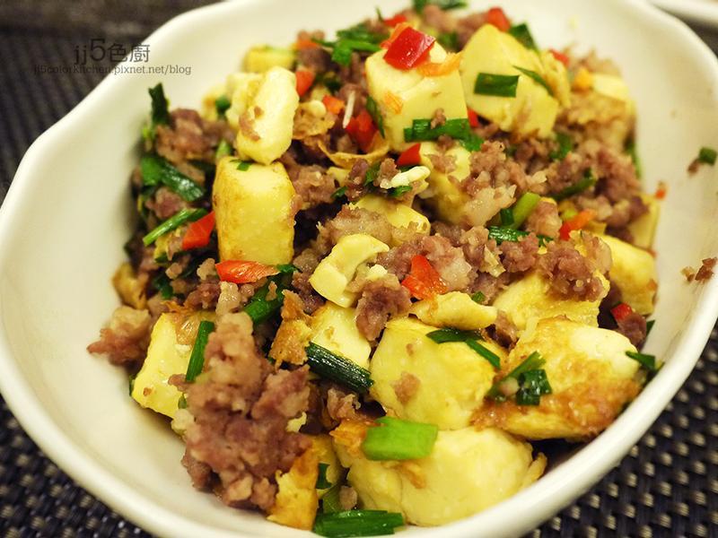韮菜肉末煮豆腐