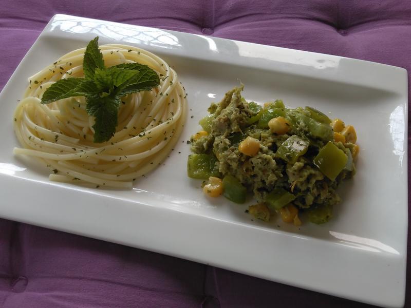 義大利涼麵佐青醬炒蔬菜鮪魚