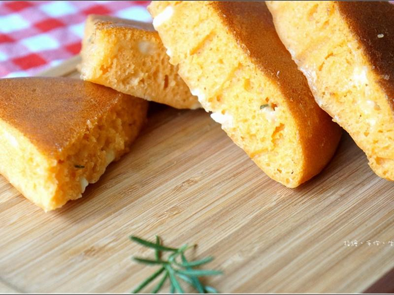 電鍋料理新嘗試 - 番茄迷迭香起司麵包
