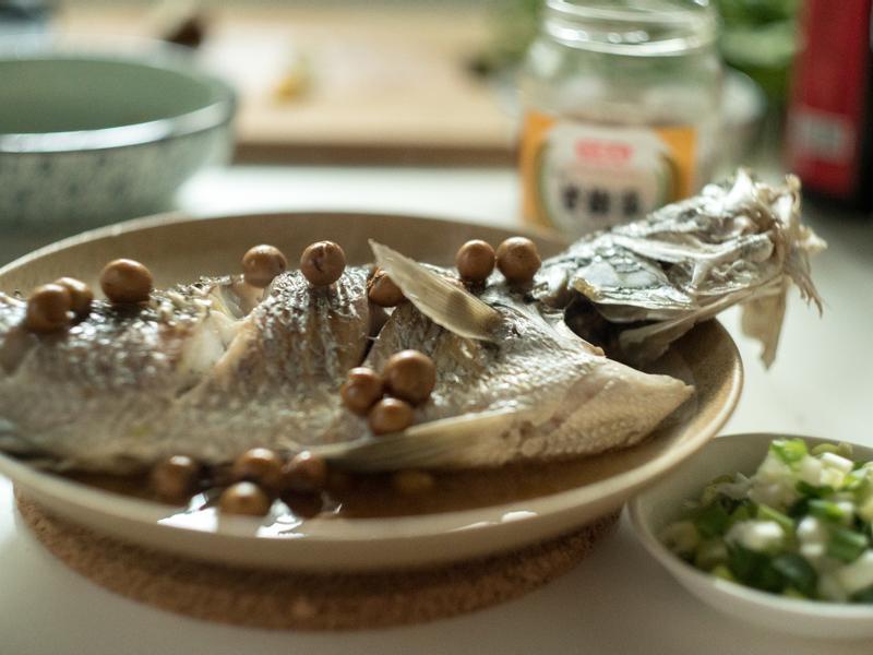 破布子蒸鱸魚-對時海鮮