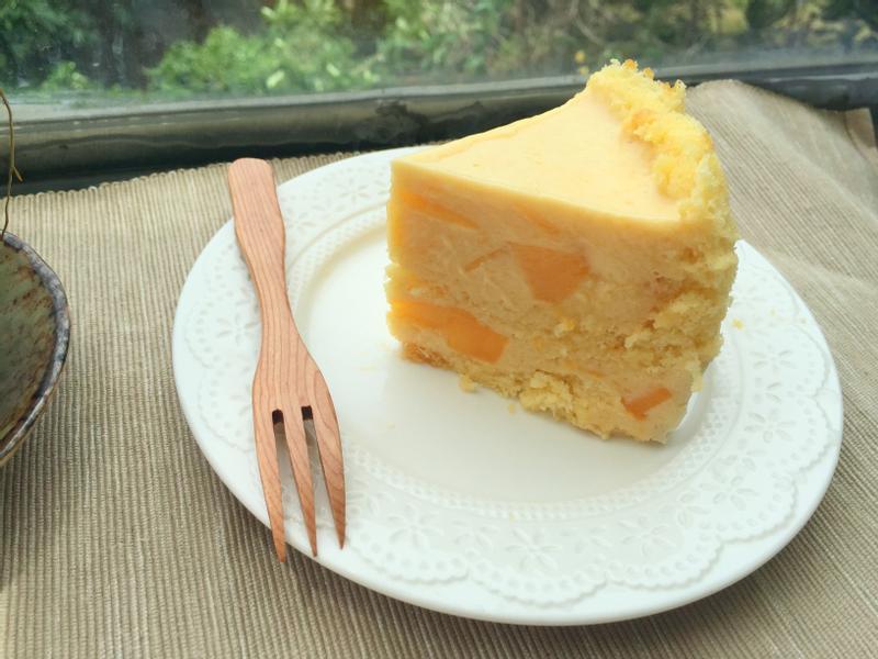 夏日嚴選~芒果卡士達慕斯蛋糕!