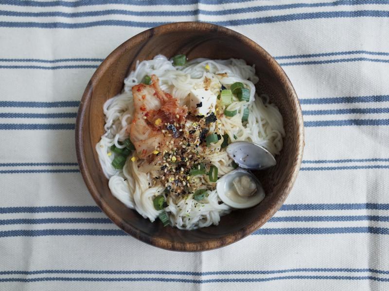 #泡菜海鮮豆腐冷麵