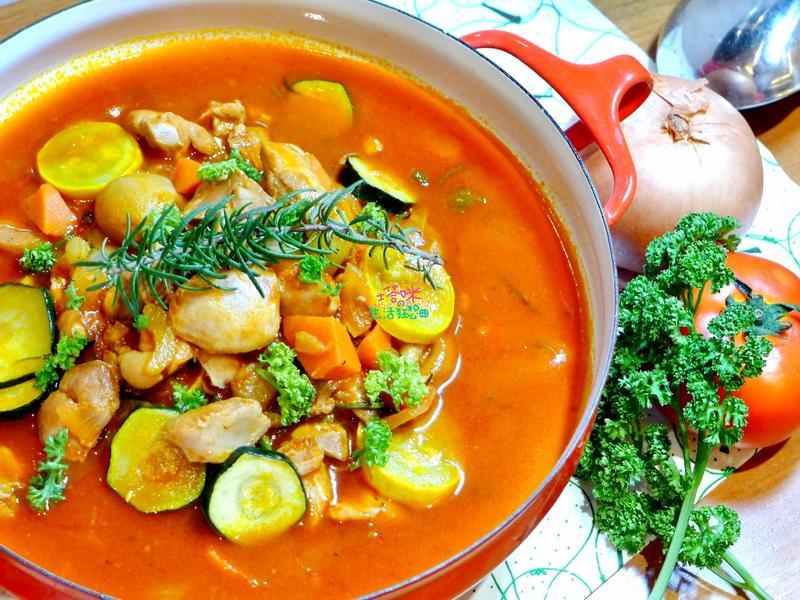 義式茄汁櫛瓜燉雞【快鍋就用樂鍋史蒂娜】