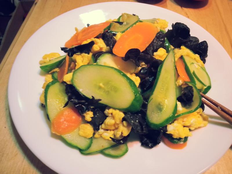 快速健康低卡料理-木耳小黃瓜炒蛋