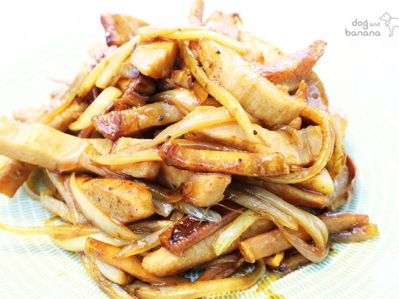洋蔥醬炒魷魚。松阪豬
