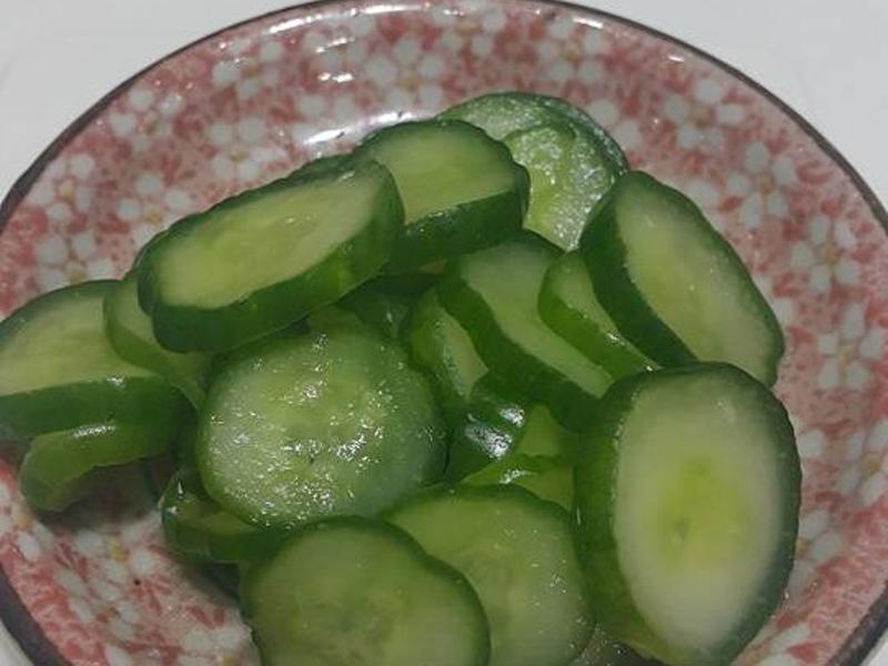 涼拌小黃瓜~ 從切片到吃只要20分鐘…
