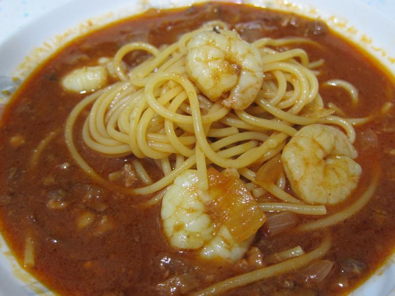 魯肉罐頭茄汁義大利麵