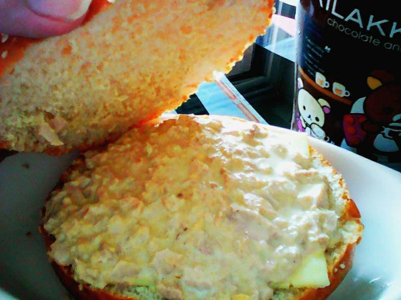 鮪魚起司沙拉堡