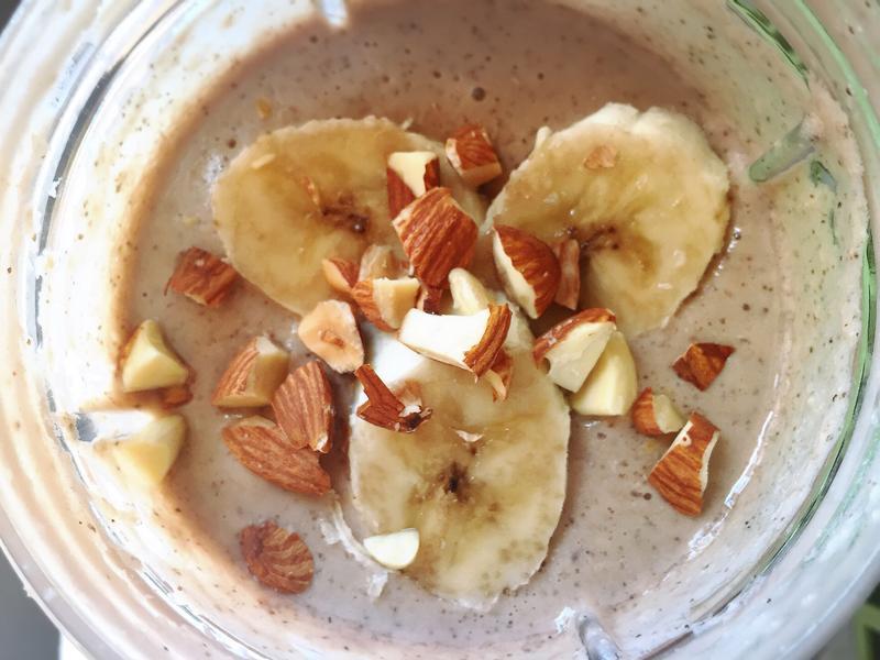 [營養早餐]隔夜冷泡燕麥☆香蕉巧克力奶昔