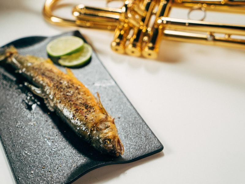 日式小喇叭乾煎香魚-對時海鮮