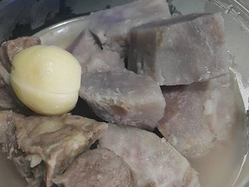 飛利浦微電鍋芋頭排骨蒜頭湯~香味四溢