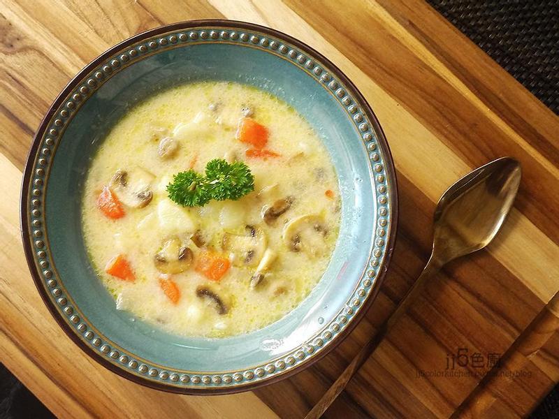 馬鈴薯磨菇濃湯