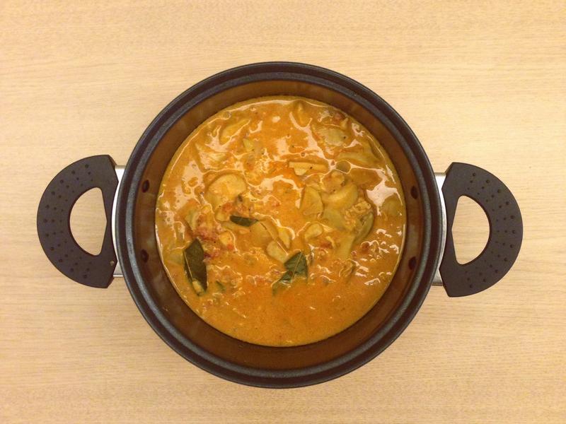 奶油茄汁蘑菇雞(牛)肉飯