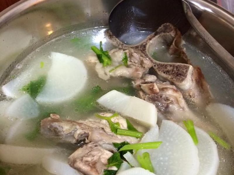 電鍋-蘿蔔排骨湯