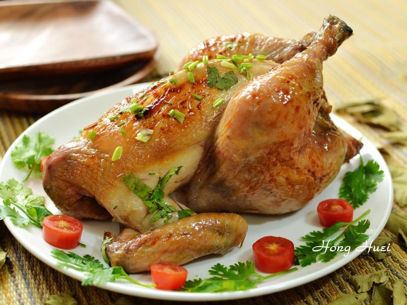 泰泰風香烤全雞