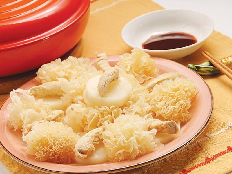 雪耳白蘿蔔煮雞柳