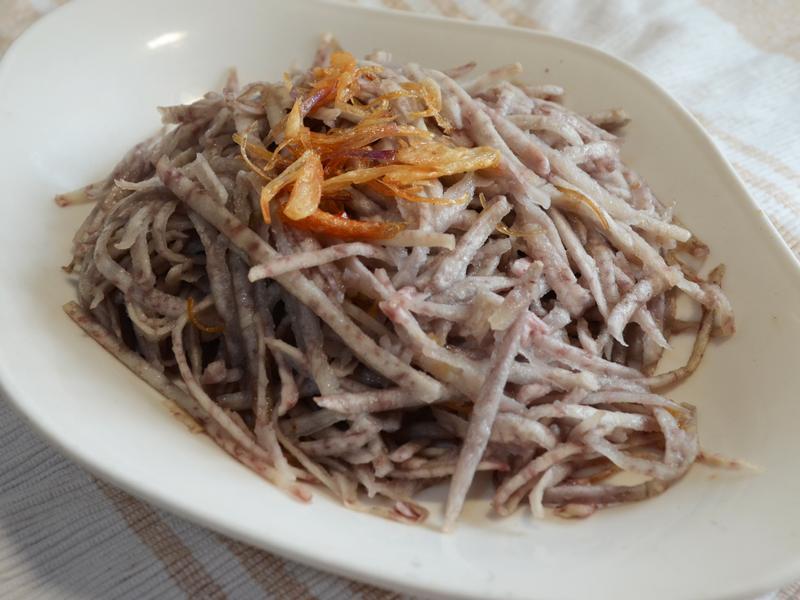 寶螺饗家常-蒸的油蔥芋頭絲(蒸的油芋絲)