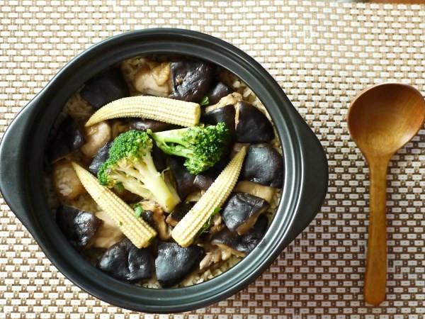 [大同電鍋] 鮮菇滑雞煲飯