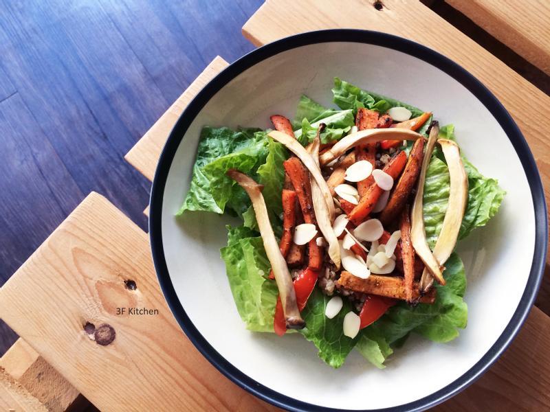 烤甜辣紅蘿蔔+油封杏鮑菇沙拉 / 五辛素