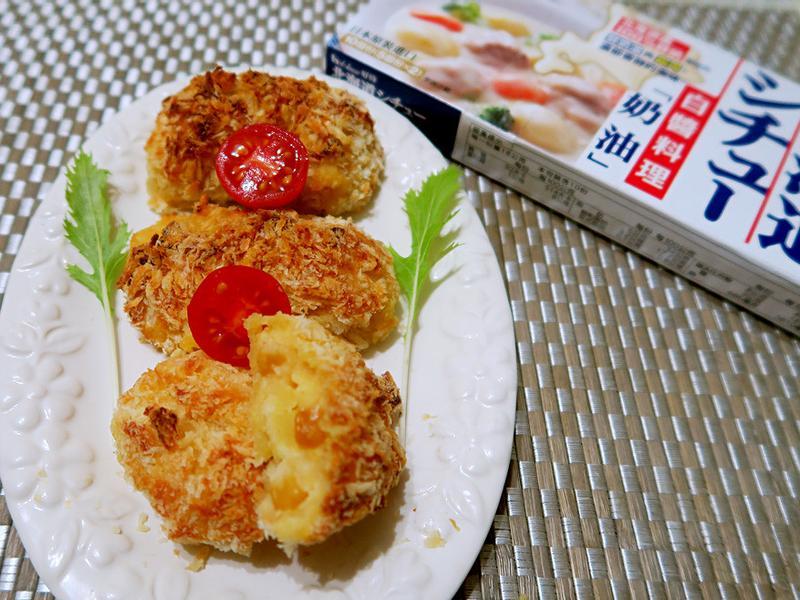 鮮蝦地瓜奶油可樂餅【好侍北海道白醬料理】