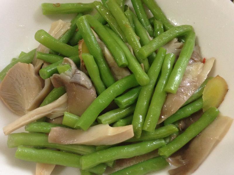 四季豆炒鮑魚菇(蛋奶素)