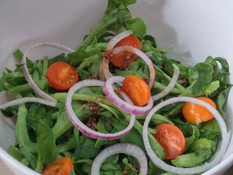 冰菜黃車厘茄紫洋蔥沙律