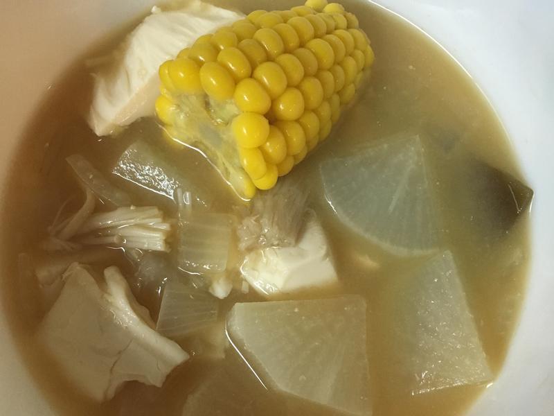味噌昆布豆腐菜頭湯
