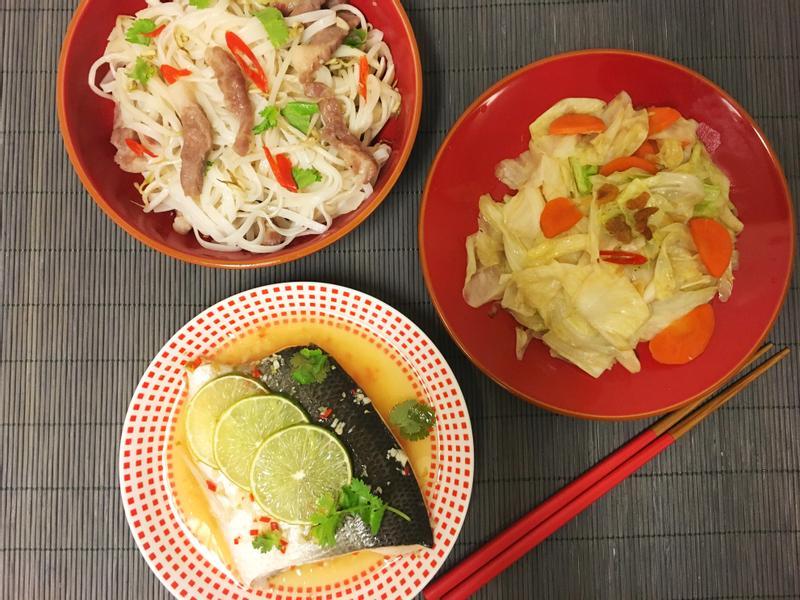 一鍋出一桌:泰式河粉+檸檬魚肚+炒高麗菜