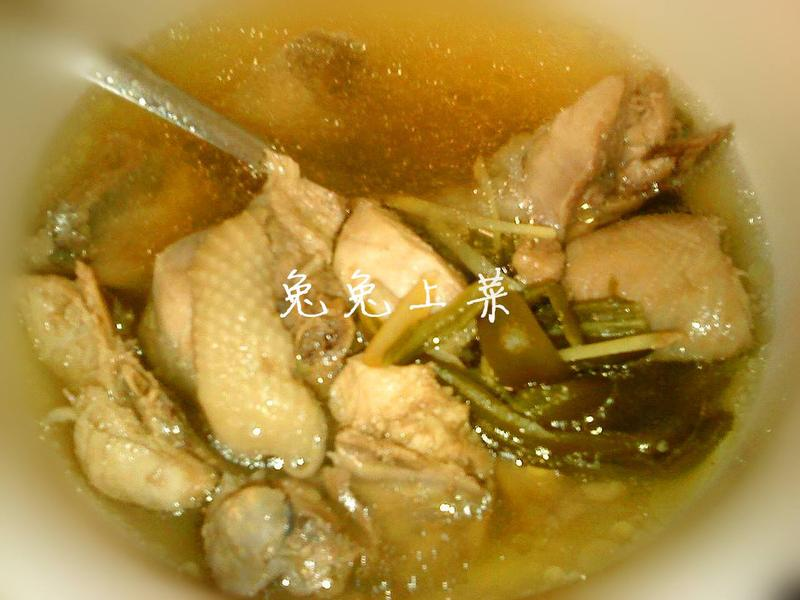 剝皮辣椒雞湯
