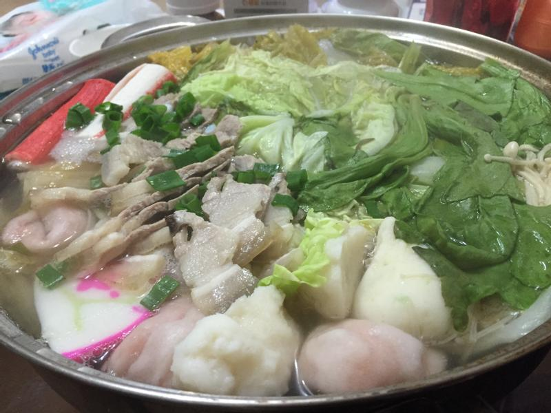 超簡單酸白菜白肉火鍋